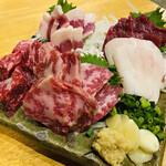 馬肉料理専門店 蹄 - 刺し盛り 5種