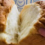 レブレッソ - 窯伸びしているので縦に裂けますよ♫美味しいパンの証ですヽ(´▽`)/