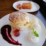 512 CAFE&SWEETS -