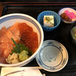 133345380 - サーモンダブル丼