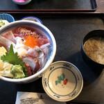 133345382 - 海鮮丼1500円