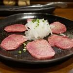 炭火焼肉 やまもと - 料理写真:
