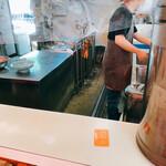 たんたラーメン - 厨房