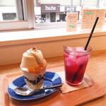 タビラコ - ババロアのミニパフェと赤しそリンゴ酢ソーダ