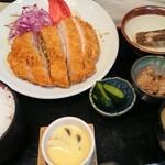小名浜 - 幻の黒豚ロースカツ定食 2,100円