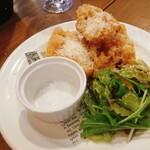 トン・ガリアーノ - トウモロコシのフリット〜ペコリーノチーズがけ〜¥500
