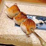 名古屋今井屋本店 - むねと皮の抱身串 皮がパリッと中は弾力のある肉