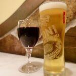 133378267 - グラス赤ワインとナストロアズーロの生
