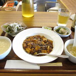 神戸中華 うえばやし - ランチ定食 日替わり定食 麻婆豆腐 干し貝柱入りお粥