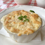 133389230 - スペシャルランチコース:豆乳クリームソースの煮込みハンバーグ、グラタン仕立て(\1,980) 主菜