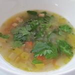 ガーデンレストラン - 春野菜・ハーブと比内地鶏のブイヨンスープ