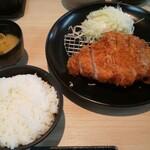 きんのつる - ロースカツ定食(大盛)