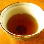 蕎麦匠雀 - 蕎麦茶が出ます