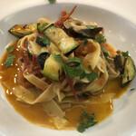 ラ・リーベラ - 本ばい貝とフレッシュトマトのタリアッテッレ