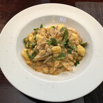 ラ・リーベラ - じゃがいものニョッキ 鶏と季節野菜のラグーソース