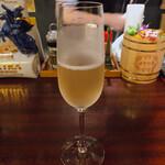 シャンパン&ワインスタンド キャトル - ♦︎ダルマンヴィルロゼ ¥1,100