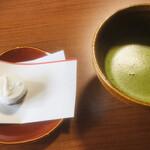 妙心寺山内 退蔵院 - 料理写真:お薄とお菓子(2020.03.現在)