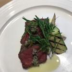 三重テラス - 御食つ国4950円。松坂牛のタリアータ。流石、松坂牛です。一口で、きめ細かい肉質を実感できます。レアなお肉を最後までとても美味しくいただいたのは久々です(╹◡╹)(╹◡╹)