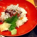稲田屋 - 鮪やしらす、いくらが入って豪華で新鮮