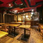 SANTA - 通常は飲食(宴会スペース)現在は喫煙コーナー(5F)