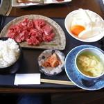 野野 - 友人がオーダー ボリュームランチ(980円) 肉肉デス。^^