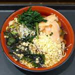 名代 富士そば - 〔期間限定〕岩下の新生姜そば(¥460)。寿司におけるガリのように新生姜が乗る、これと揚げ玉が好相性