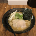 麺屋 武一 - 濃厚鶏骨醤油そば¥830