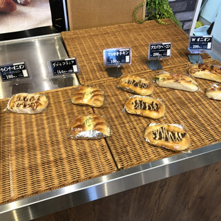 パン工房 TATSUYA - 料理写真:パン色々