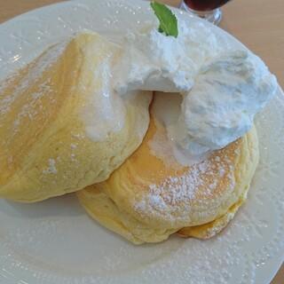 小島かふぇ - 料理写真:オリジナルパンケーキ850円(税抜価格)