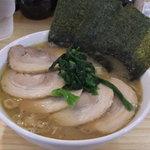 横浜ラーメン 山村家 - 「チャーシューメン」(850円)