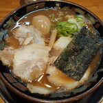 関西 風来軒 - 料理写真:とんこつラーメン半熟煮玉子入り
