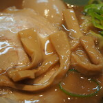 関西 風来軒 - とんこつラーメン半熟煮玉子入り(メンマ)