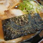 関西 風来軒 - とんこつラーメン半熟煮玉子入り(海苔)