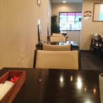 ATSUMI食堂 - 着席時の店内風景