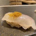 Sushiamami - ・天然真鯛 カラスミ乗せ