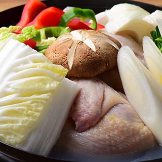 ポカポカ温まる「カムジャタン」をはじめ鍋料理は15種類ご用意