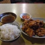 建味園 - 料理写真:鶏の唐揚げ定食