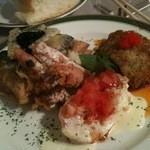 13350875 - 海老味噌たっぷり野菜のフリッターに白身魚のフライ+ホタテのソテー