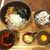 肉屋専門店 肉そば 石寅 - 料理写真:特製肉そば(¥950)+混ぜ込みごはん(¥100)。さあ、どうやって食べようか?
