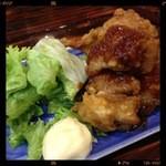ちょんまげ - 鶏の唐揚げ特製タレ 380円