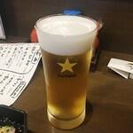 和彩肴 きらり - まずは生ビールで乾杯!久しぶりの居酒屋での生ビールは美味いっすね〜♪