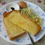 きしゃぽっぽ - モーニング(アーモンドトースト)