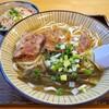 新垣そば - 料理写真:軟骨ソーキそば(並) と ジューシー