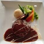 ぶどうの丘 展望ワインレストラン - 山梨県産ワインビーフ&ブランドポークの手作りハンバーグ1,900円(税抜)