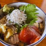 鴨鶴 - ♦︎おすすめ海鮮丼   ¥1,100 (さわら・富士サーモン・きんめ・かれい・しらす)