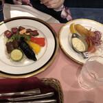 レストラン西櫻亭 - ステーキガーリックライスと海老フライ