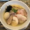ヌードルズキッチン ガナーズ - 料理写真:汐そば(800円)+特製トッピング(300円)