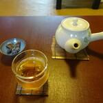 133558547 - 冷むぎ茶、茶菓子(賀茂葵、しぼり豆 丹波黒大寿)