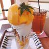 ジュタロウ - 料理写真:マンゴーのパフェ¥1,500円