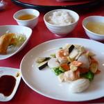 海鮮中華料理 呑 - ランチメニュー(海鮮3品炒め)